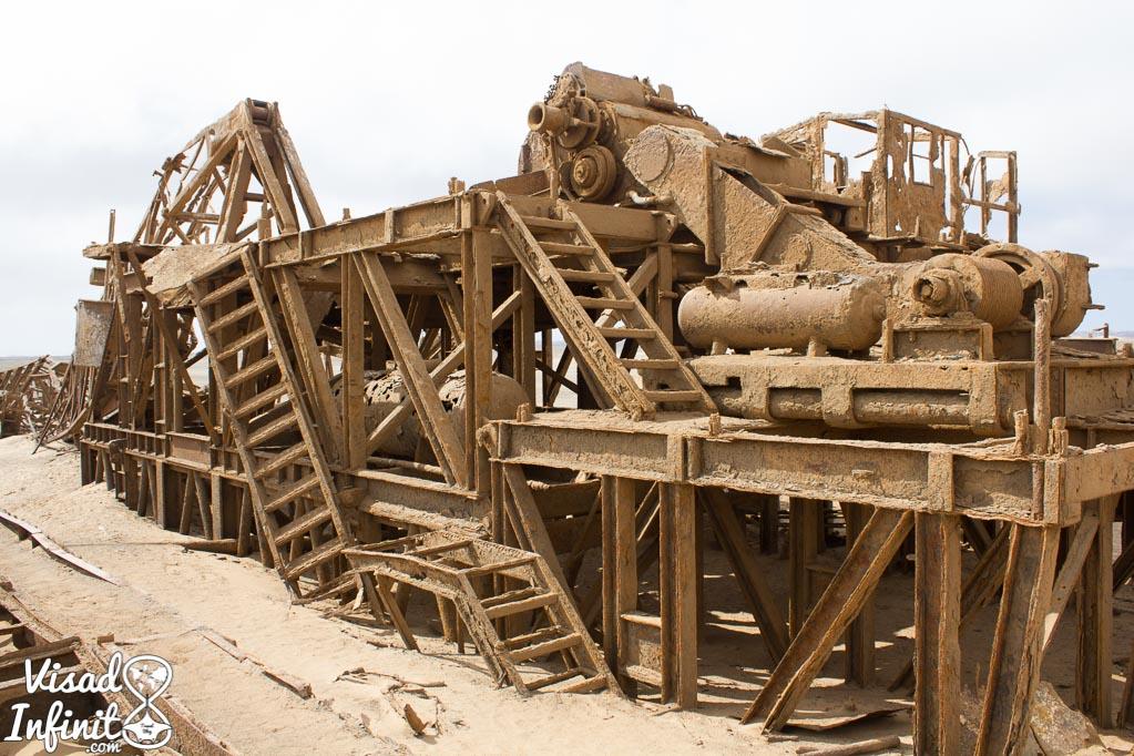 Fábrica abandonada en la Costa de los Esqueletos