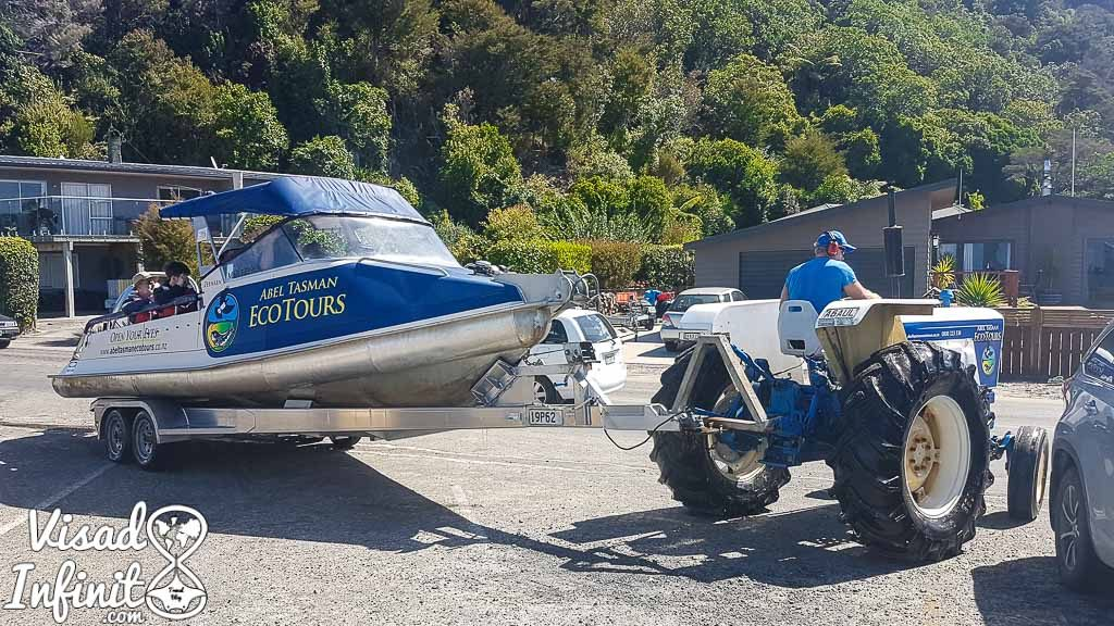 water taxi Abel Tasman N.P.