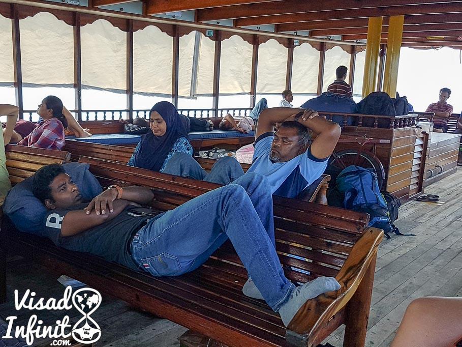 Maldivas. Ferry público de Fulidhoo