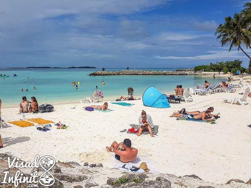 Maldivas-Bikini Beach-Cerveza